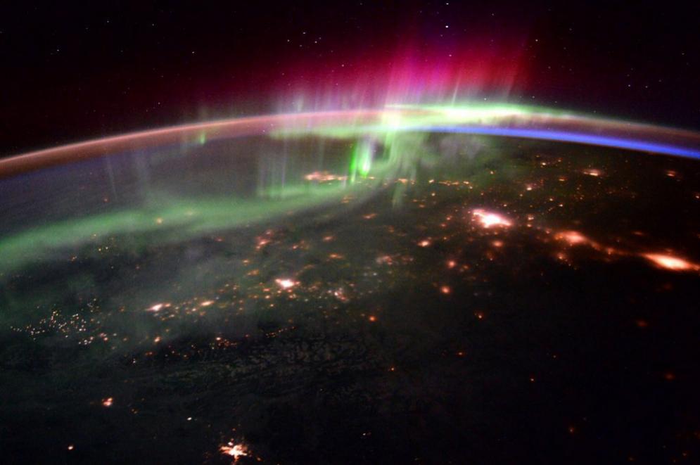 Aurora boreal en el noroeste del Pacífico desde la ISS