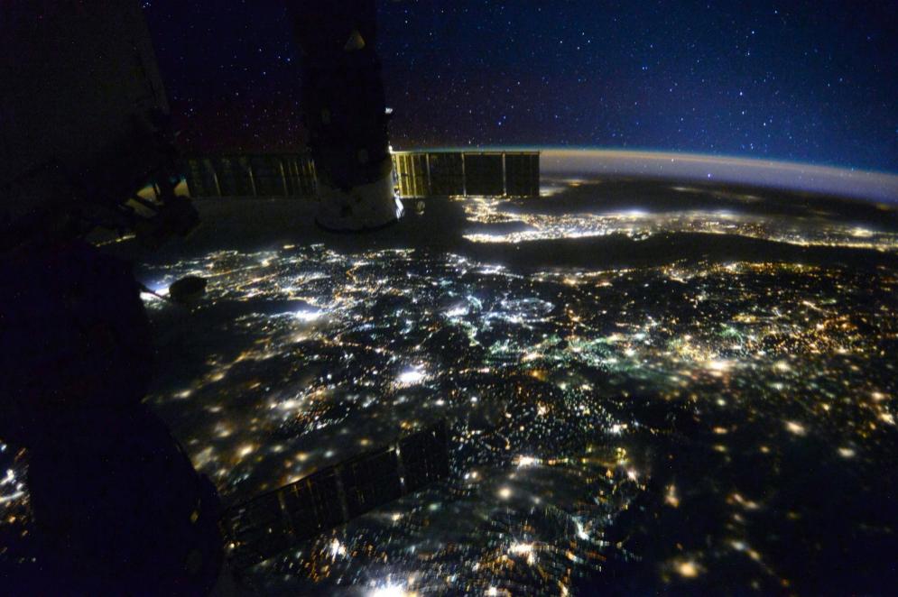Imagen nocturna de Macedonia cuando la ISS pasaba sobre ella.