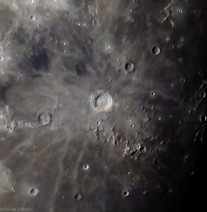 Cráter Copérnico. Datos de la foto: Telescopio Celestron c10, Montura ecuatorial Celesron cg5-gt, Cámara Cnon D-1200, Tiempo de exposicion 1/200 seg, ISO: 200, Procesamiento: Adobe Photoshop, Lightroom CC 2015