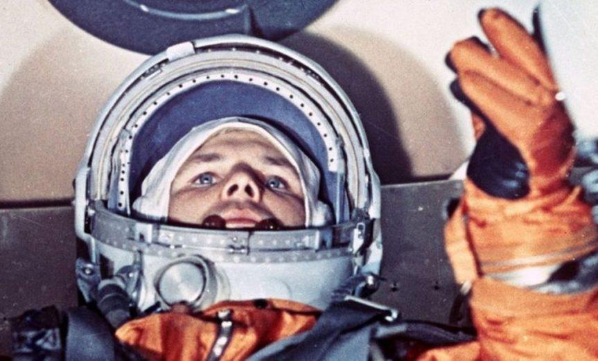 tradicion hacer pis en un neumatico astronautas rusos