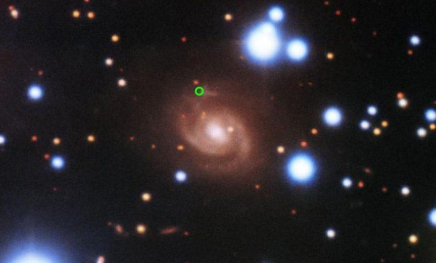 ráfaga de radio más luminosa galaxia